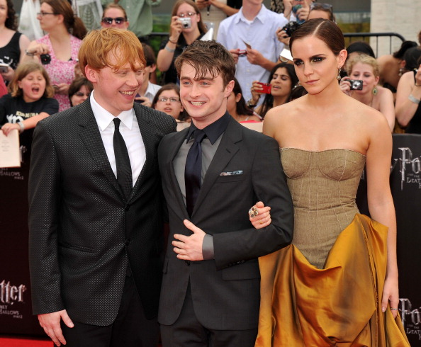 エマ・ワトソン「'Harry Potter And The Deathly Hallows: Part 2' New York Premiere - Arrivals」:写真・画像(11)[壁紙.com]