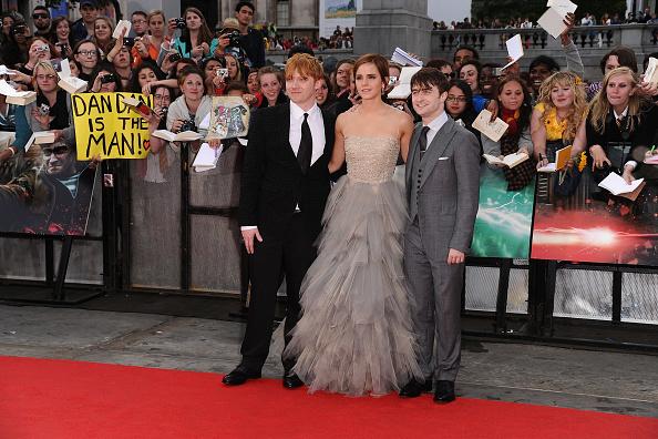 エマ・ワトソン「Harry Potter And The Deathly Hallows - Part 2 - World Film Premiere」:写真・画像(4)[壁紙.com]