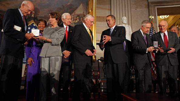 Eddie House「Astronauts Aldrin, Glenn, Armstrong, And Collins Awarded Congressional Gold Medal」:写真・画像(12)[壁紙.com]
