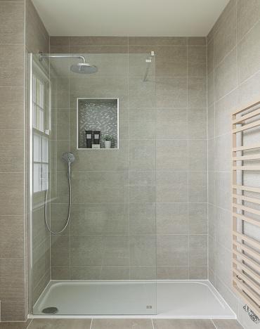 Tile「Shower in luxury UK house」:スマホ壁紙(0)