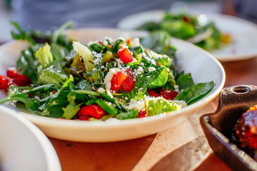 Salad「Spinach Salad with Strawberries, Goat Cheese, Balsamic, and Walnuts」:スマホ壁紙(3)
