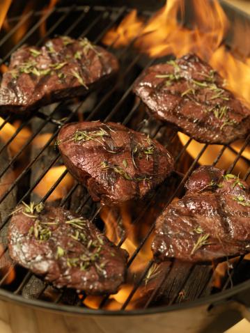 Gourmet「Top Sirloin Steaks on an outdoor BBQ」:スマホ壁紙(15)