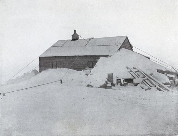 Ski Pole「The Hut At Cape Adare」:写真・画像(1)[壁紙.com]