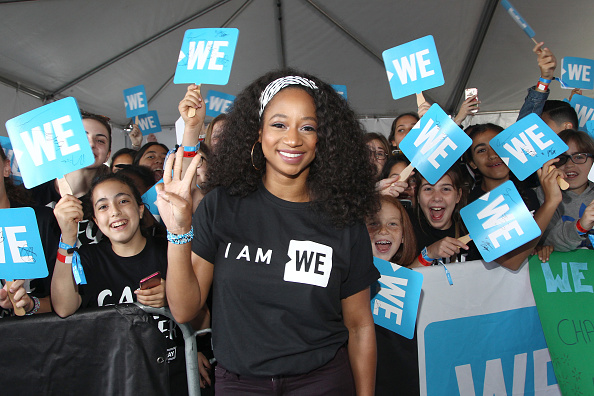 Monique Coleman「Selena Gomez, Alicia Keys, Demi Lovato, Bryan Cranston, DJ Khaled, Miss Piggy And More Come Together At WE Day California To Celebrate Young People Changing The World」:写真・画像(7)[壁紙.com]