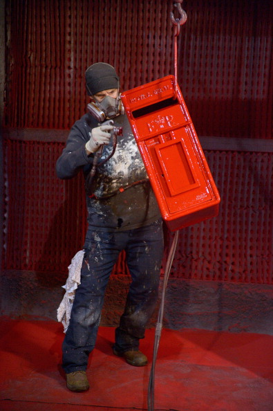 Spray「Royal Mail Post Box Production」:写真・画像(14)[壁紙.com]