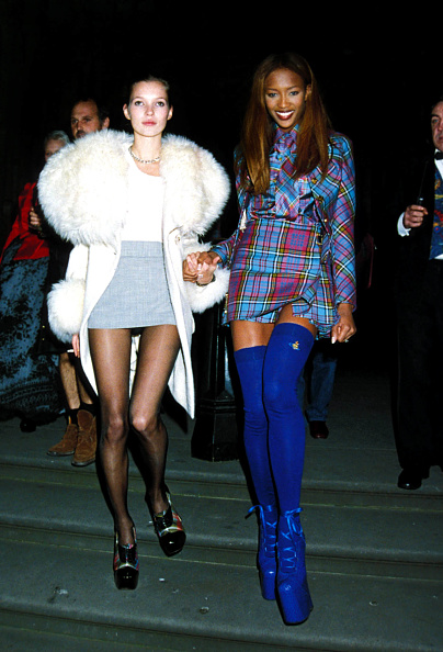 1990-1999「London Fashion Week Designer Of The Year Awards At The Museum Of Natural History, Kate Moss, Naomi Campbell」:写真・画像(7)[壁紙.com]