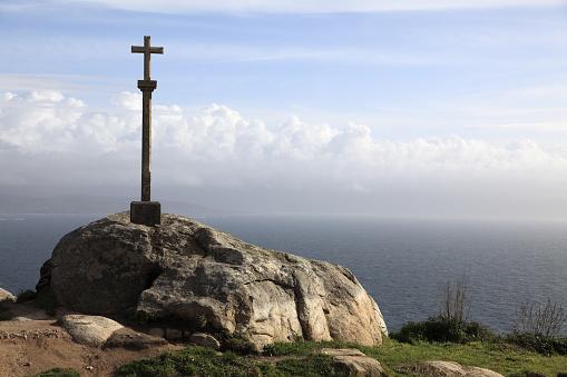 Camino De Santiago「Stone cross and Cape Finisterre」:スマホ壁紙(11)