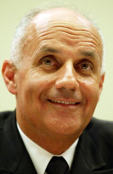 Unhealthy Eating「Surgeon General Dr. Richard Carmona Testifies」:写真・画像(5)[壁紙.com]