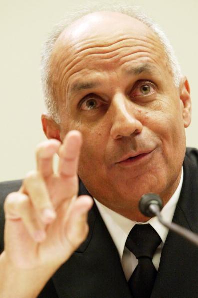 Unhealthy Eating「Surgeon General Dr. Richard Carmona Testifies」:写真・画像(3)[壁紙.com]