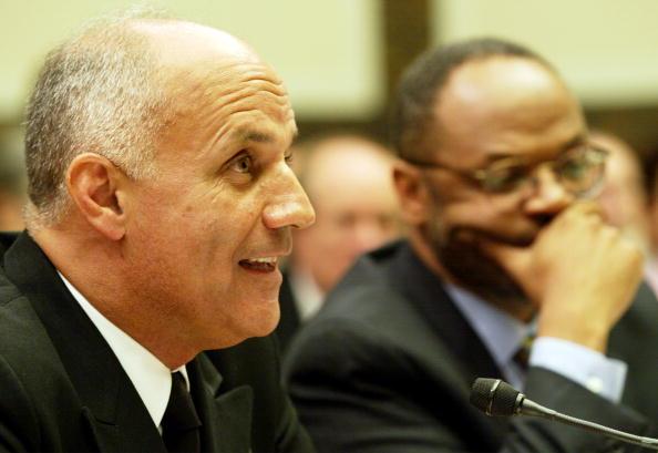 Unhealthy Eating「Surgeon General Dr. Richard Carmona Testifies」:写真・画像(2)[壁紙.com]