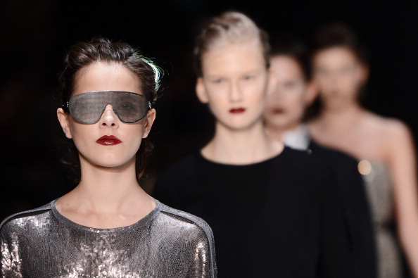 Silver Colored「Julia Nikolaeva - Runway - MBFWR F/W 2013」:写真・画像(17)[壁紙.com]