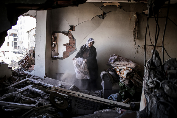 Ruined「Residents Return To Turkish Town Of Cizre After Curfew」:写真・画像(17)[壁紙.com]