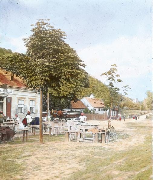 Middle Class「Wolf in der Au-Tavern. nearby the Wienfluss. Hadersdorf-Weidlingau. Vienna, 14th district. Penzing. Hand-colored lantern slide. Around 1895.」:写真・画像(4)[壁紙.com]