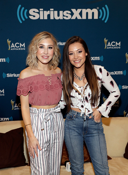 Ruffled Shirt「SiriusXM's The Highway Channel Broadcasts Backstage Leading Up To The Academy of Country Music Awards」:写真・画像(13)[壁紙.com]