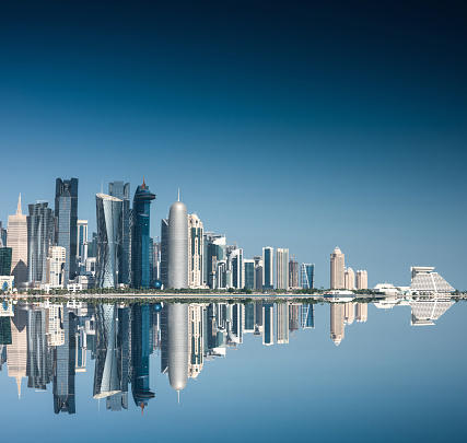 Iranian Culture「doha skyline reflections」:スマホ壁紙(4)