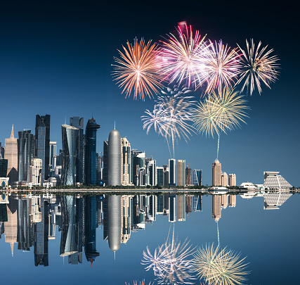 Iranian Culture「doha skyline reflections with fireworks for the new year」:スマホ壁紙(17)