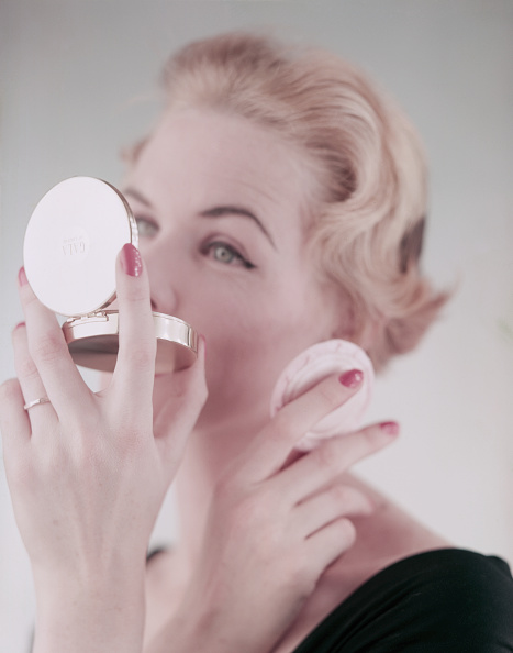 One Woman Only「Powder Compact」:写真・画像(3)[壁紙.com]
