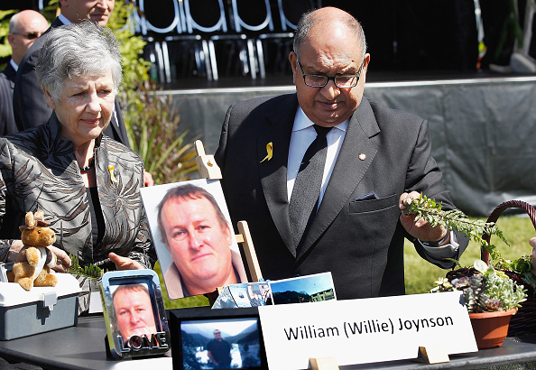 Greymouth「New Zealand Holds Memorial Service For Pike River Miners」:写真・画像(2)[壁紙.com]