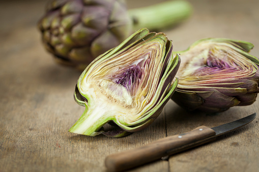 Kitchen Knife「Sliced artichoke and kitchen knife on wood」:スマホ壁紙(17)
