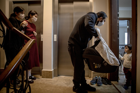 Recovery「Mother Reunited With Infant Son After Giving Birth In Covid-19 Ward」:写真・画像(0)[壁紙.com]