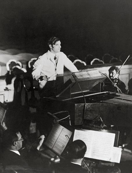 Imagno「Clemens Krauss with Vienna's philharmonic orchestr」:写真・画像(15)[壁紙.com]
