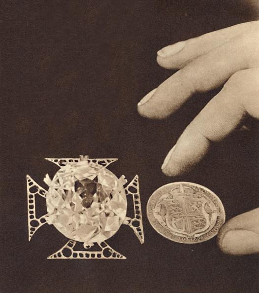記章「The Queens Coat Of Arms 1」:写真・画像(18)[壁紙.com]