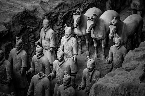 Horse「China, Shaanxi, Xi'an, Lintong District, Terracotta Soldiers and horses at excavation site」:スマホ壁紙(4)