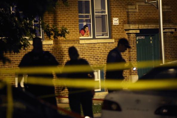 Crime「Six Killed During A Violent Chicago Weekend」:写真・画像(15)[壁紙.com]