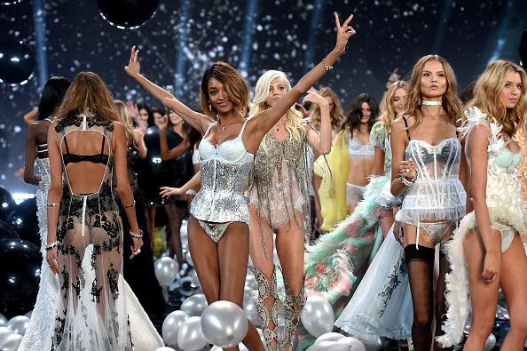 Victoria's Secret「2014 Victoria's Secret Fashion Show - Show」:写真・画像(19)[壁紙.com]