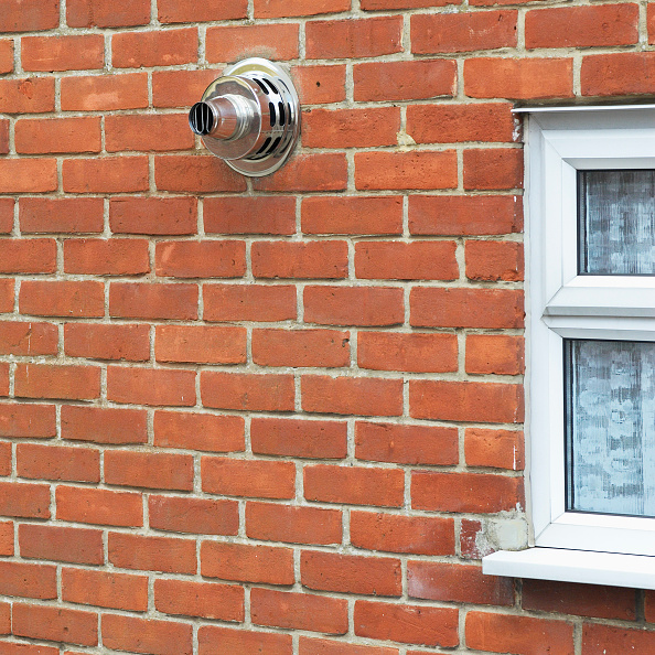 Brick Wall「Domestic central heating boiler air vent」:写真・画像(3)[壁紙.com]