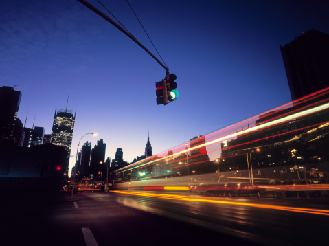 City Street「Traffic entering Midtown, New York at early dawn.」:スマホ壁紙(6)