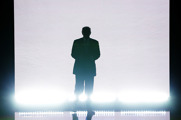 全身「Republican National Convention: Day One」:写真・画像(2)[壁紙.com]