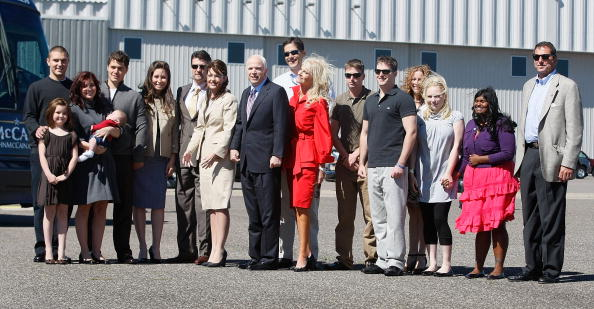 Family「McCain And Palin Campaign Ahead Of Republican Convention」:写真・画像(12)[壁紙.com]