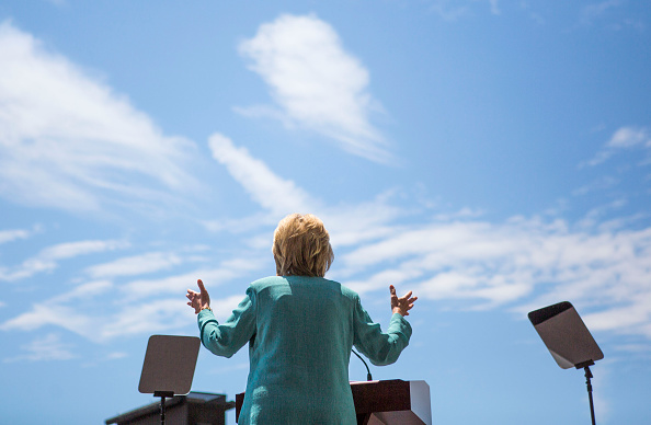US Democratic Party 2016 Presidential Candidate「Hillary Clinton Addresses Trump's Business Record At Atlantic City Rally」:写真・画像(18)[壁紙.com]
