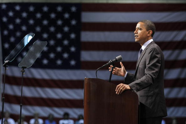 Lectern「Barack Obama Campaigns In Michigan」:写真・画像(19)[壁紙.com]