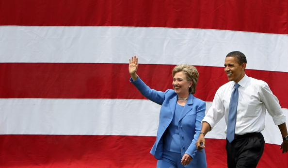 Togetherness「Barack Obama And Hillary Clinton Appear In First Joint Campaign Event」:写真・画像(14)[壁紙.com]