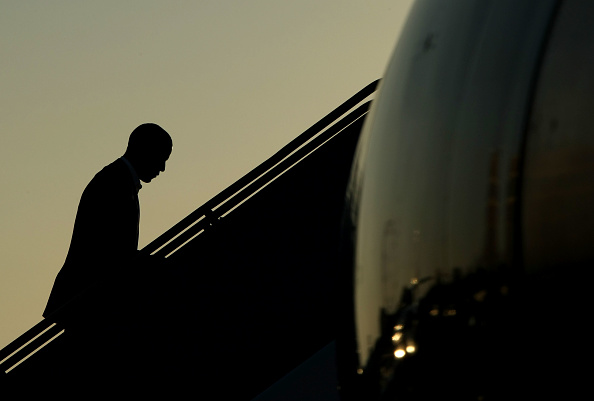 Silhouette「McCain And Obama Attend Campaign Forum At California Mega-Church」:写真・画像(7)[壁紙.com]