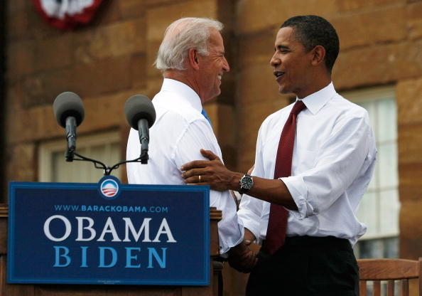 Vice President「Obama Launches DNC Campaign Tour At Illinois State Capitol」:写真・画像(16)[壁紙.com]