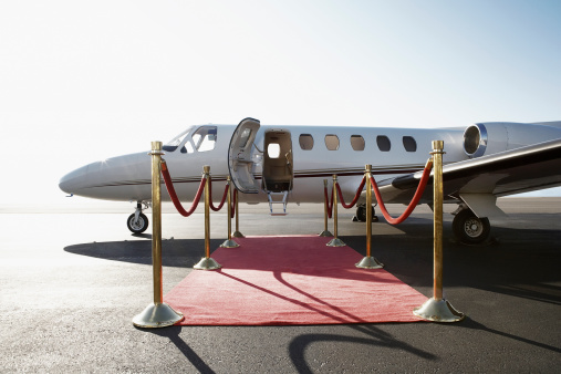 Celebrities「Private airplane with red carpet」:スマホ壁紙(11)
