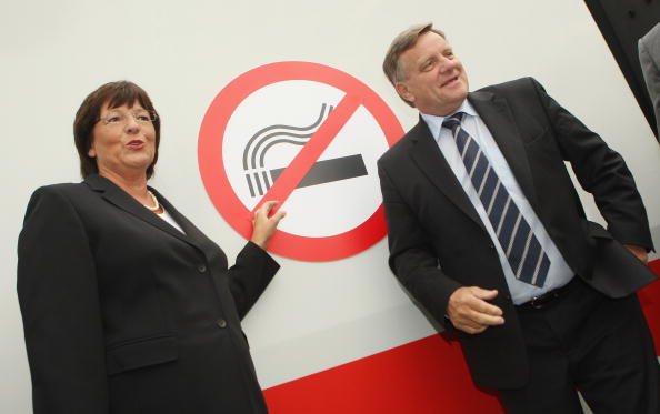 No Smoking Sign「Deutsche Bahn To Ban Smoking On All Trains」:写真・画像(18)[壁紙.com]