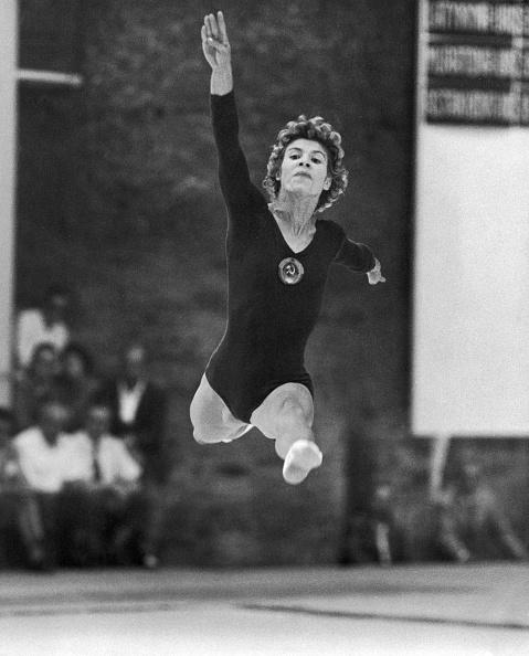 オリンピック「Larissa Latynina Leaps」:写真・画像(6)[壁紙.com]