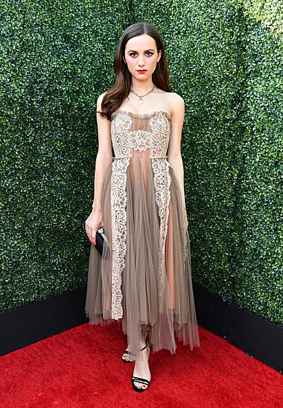 Beige Dress「2019 MTV Movie And TV Awards - Red Carpet」:写真・画像(4)[壁紙.com]