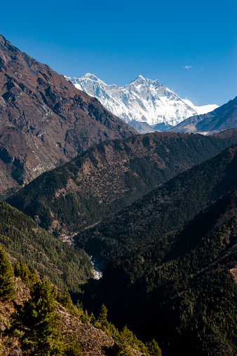 Ama Dablam「A mountain scene with Mount Everest and Ama Dablam Mountains」:スマホ壁紙(7)