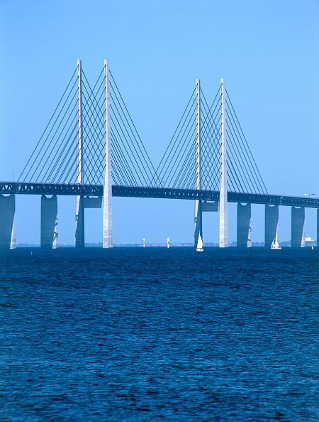 2002「Oresund Bridge. Linking Malmo, Sweden and Copenhagen, Denmark.」:写真・画像(8)[壁紙.com]