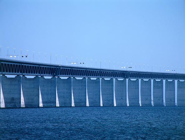 2002「Oresund Bridge. Linking Malmo, Sweden and Copenhagen, Denmark.」:写真・画像(11)[壁紙.com]