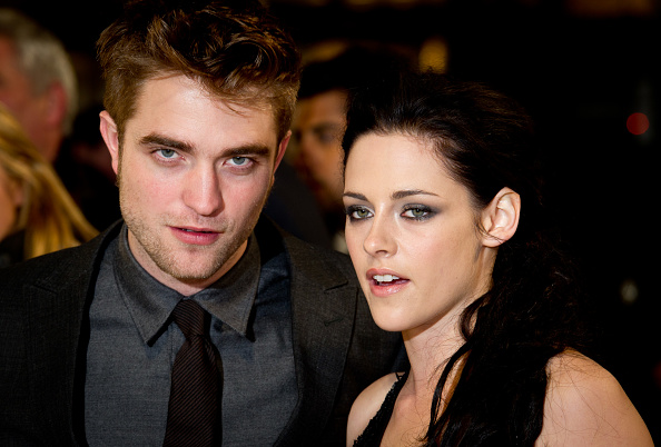 Robert Pattinson「The Twilight Saga: Breaking Dawn Part 1 - UK Premiere」:写真・画像(9)[壁紙.com]