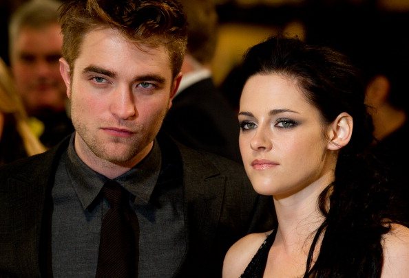 ロバート・パティンソン「The Twilight Saga: Breaking Dawn Part 1 - UK Premiere」:写真・画像(4)[壁紙.com]