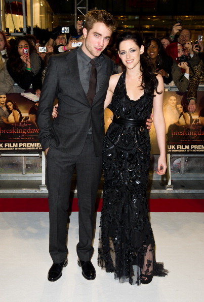 ロバート・パティンソン「The Twilight Saga: Breaking Dawn Part 1 - UK Premiere」:写真・画像(7)[壁紙.com]