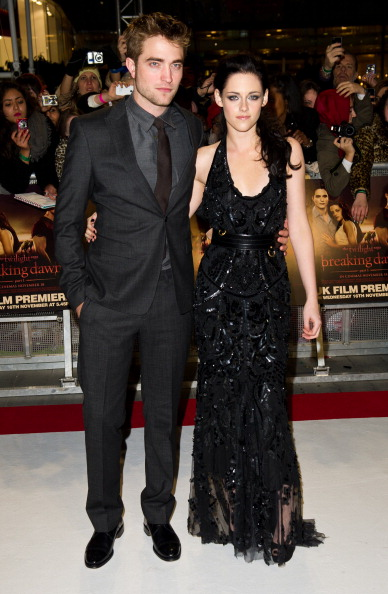 Robert Pattinson「The Twilight Saga: Breaking Dawn Part 1 - UK Premiere」:写真・画像(7)[壁紙.com]