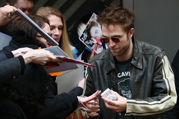 Robert Pattinson「'Damsel' Photo Call - 68th Berlinale International Film Festival」:写真・画像(8)[壁紙.com]